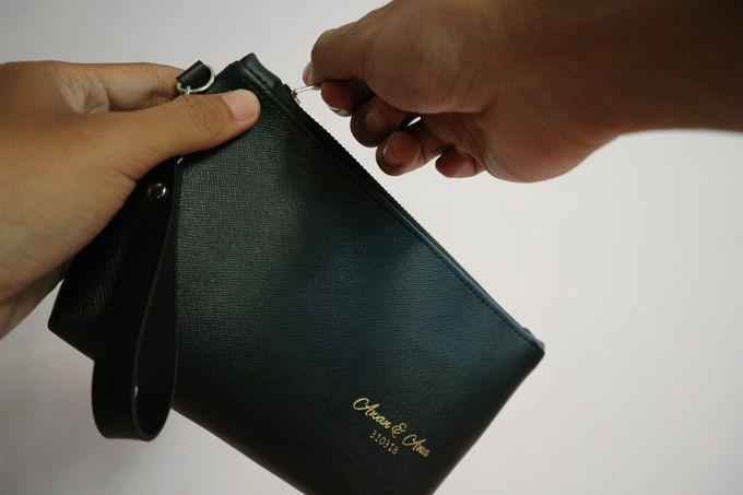Leather Pouch Zipper by Mewah Souvenir - 006