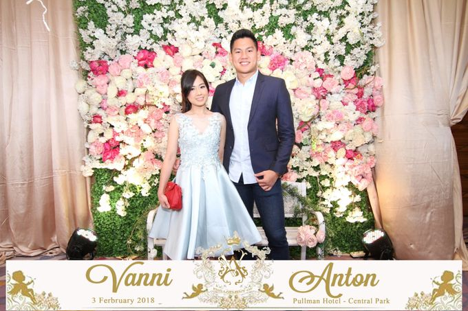 Photobooth The Engagement of  Vanni & Anton by Tracy Bridal House - 004