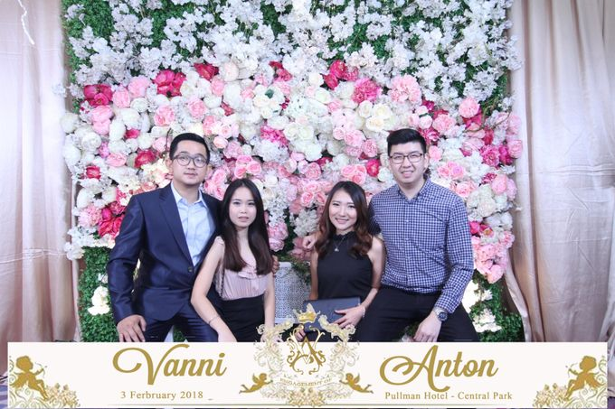 Photobooth The Engagement of  Vanni & Anton by Tracy Bridal House - 009