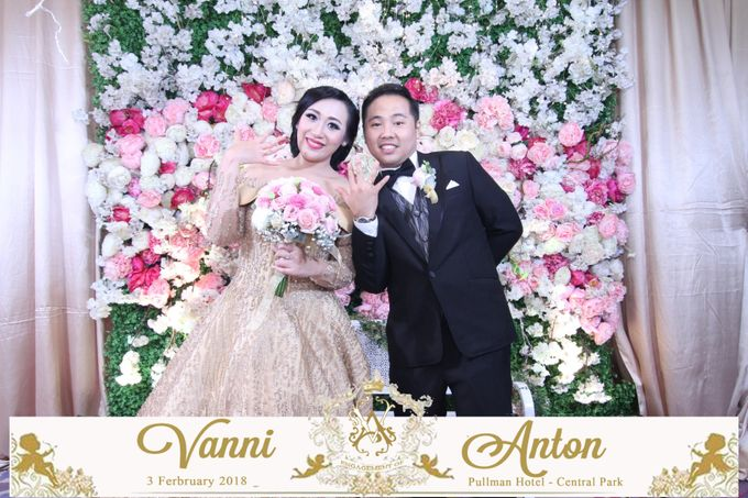 Photobooth The Engagement of  Vanni & Anton by Tracy Bridal House - 002