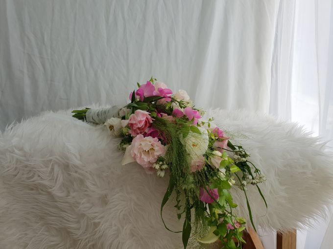 Korean Style Arm Bouquet by FMD - Floral & Décor - 003