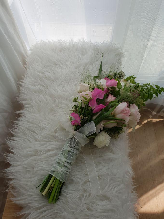 Korean Style Arm Bouquet by FMD - Floral & Décor - 005