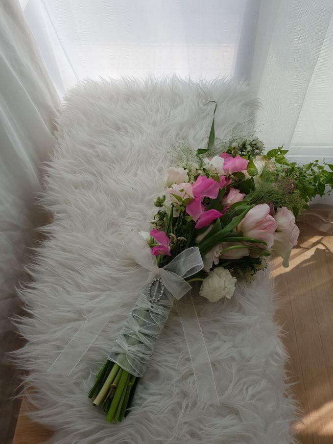 Korean Style Arm Bouquet by FMD - Floral & Décor - 002