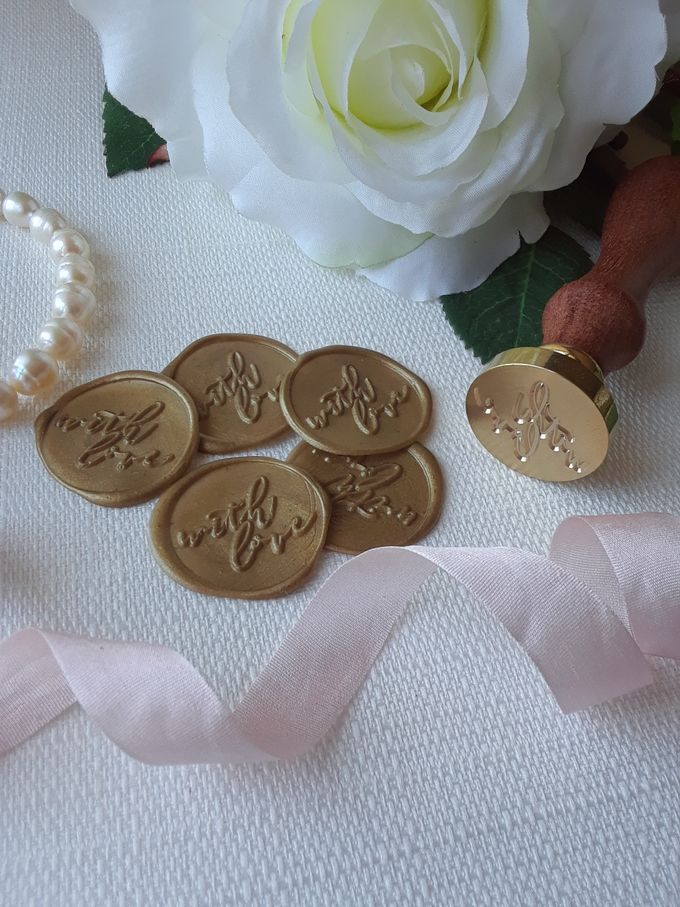 Wax Seals, Calligraphy, Place cards, European Bead by Manuscribe Calligraphy - 009