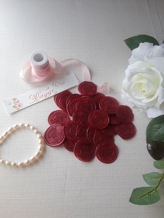 Wax Seals, Calligraphy, Place cards, European Bead by Manuscribe Calligraphy - 012