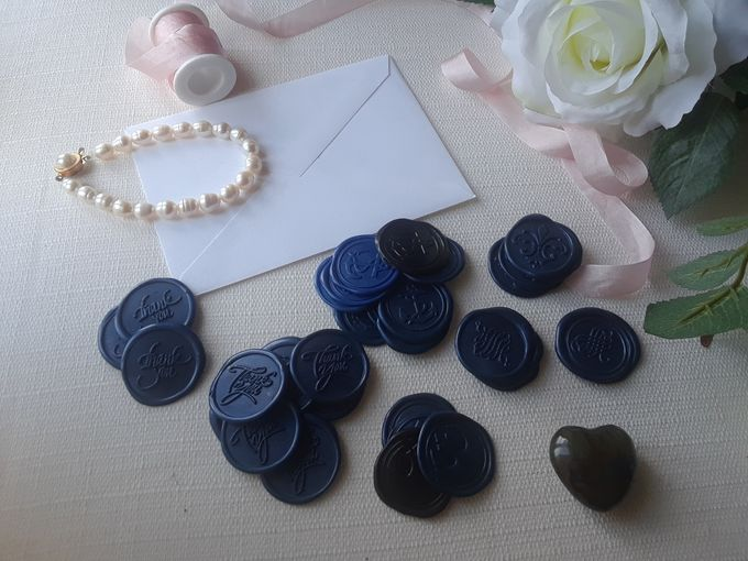 Wax Seals, Calligraphy, Place cards, European Bead by Manuscribe Calligraphy - 029