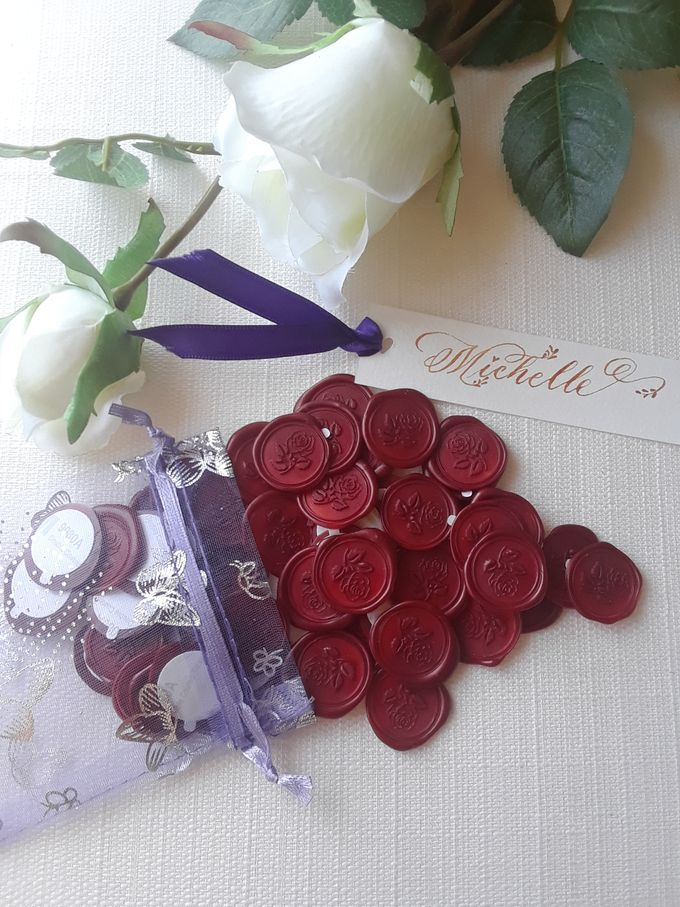 Wax Seals, Calligraphy, Place cards, European Bead by Manuscribe Calligraphy - 008