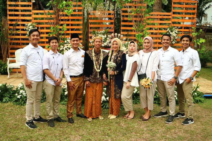 MC at fabulous wedding with outdoor garden concept by MC Wedding Banna - 006