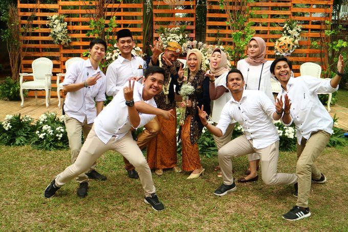 MC at fabulous wedding with outdoor garden concept by MC Wedding Banna - 005