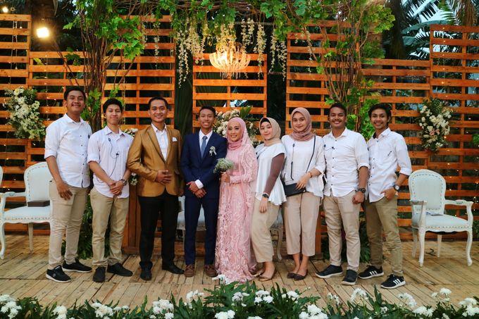 MC at fabulous wedding with outdoor garden concept by MC Wedding Banna - 004