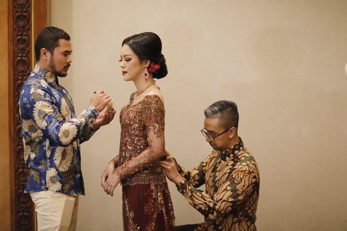 Riri & Dimas Wedding by SVARNA by IKAT Indonesia Didiet Maulana - 007