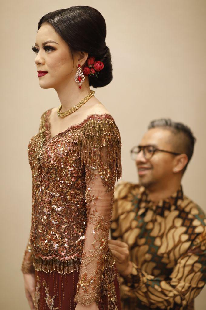 Riri & Dimas Wedding by SVARNA by IKAT Indonesia Didiet Maulana - 003