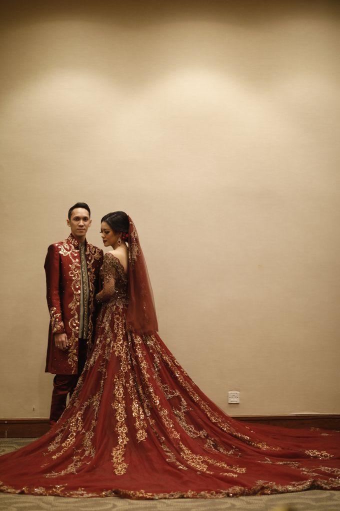 Riri & Dimas Wedding by SVARNA by IKAT Indonesia Didiet Maulana - 009
