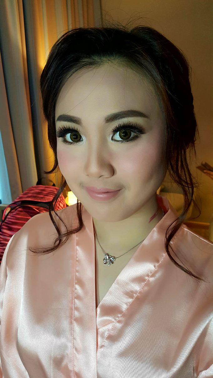 Make Up Bridesmaid by Flo Make Up Artist - 001
