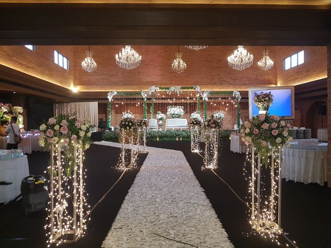 RENALDI & STEVANI WEDDING by United Grand Hall - 010