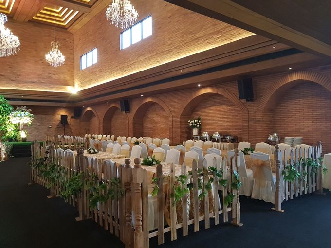 FELIX & LESLIE WEDDING by United Grand Hall - 019