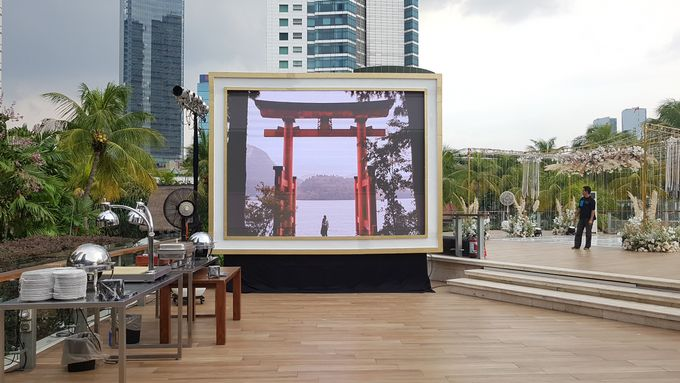 LED SCREEN - ADE & HERVIANY by Chroma Project - 002