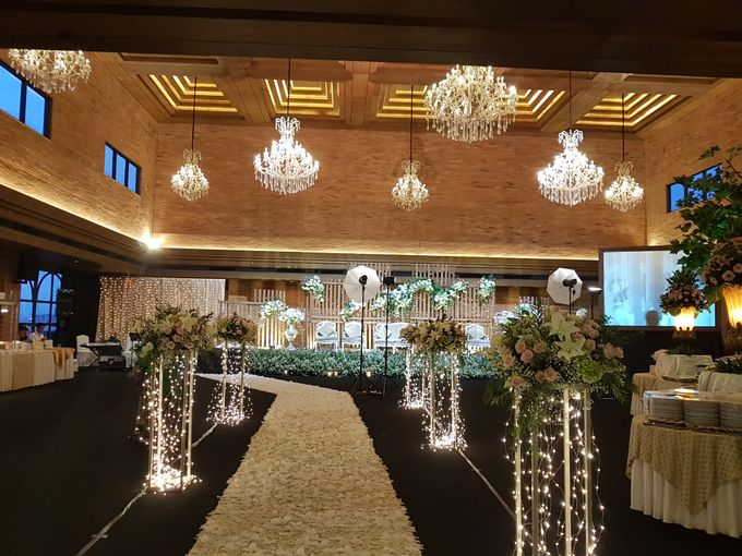 DIMAS & PUTRI WEDDING by United Grand Hall - 008