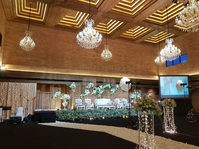 DIMAS & PUTRI WEDDING by United Grand Hall - 019