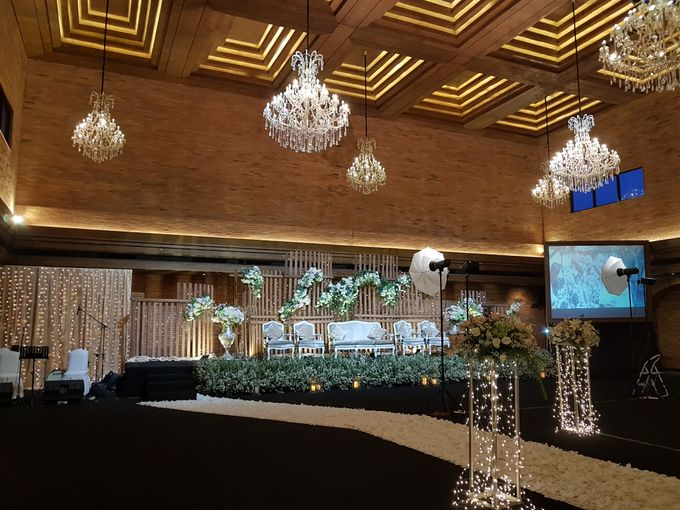 DIMAS & PUTRI WEDDING by United Grand Hall - 021