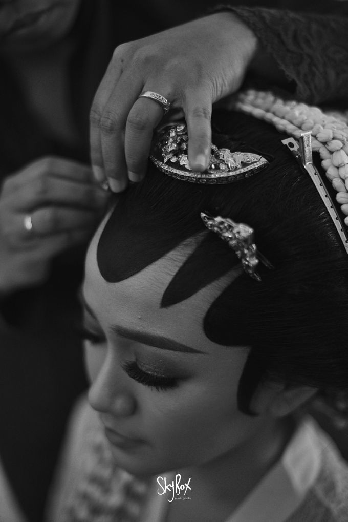 Naya & Ari - Javanese Celebration by One Heart Wedding - 004