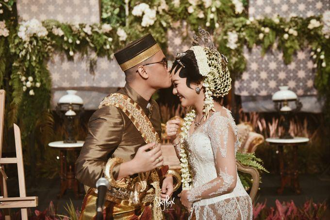 Naya & Ari - Javanese Celebration by One Heart Wedding - 010