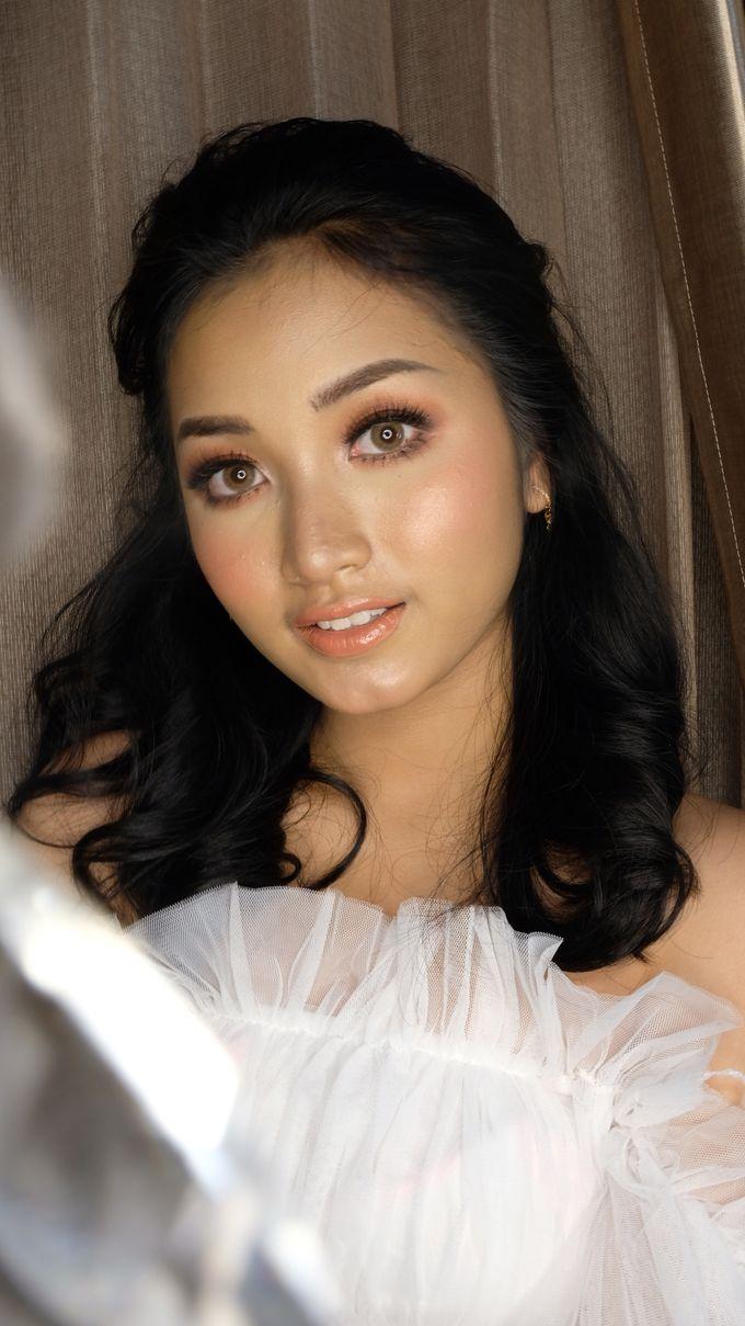 Korean Wedding Makeup Look - Ms. ABIGAEL by Nathalia Tjan Makeup - 003