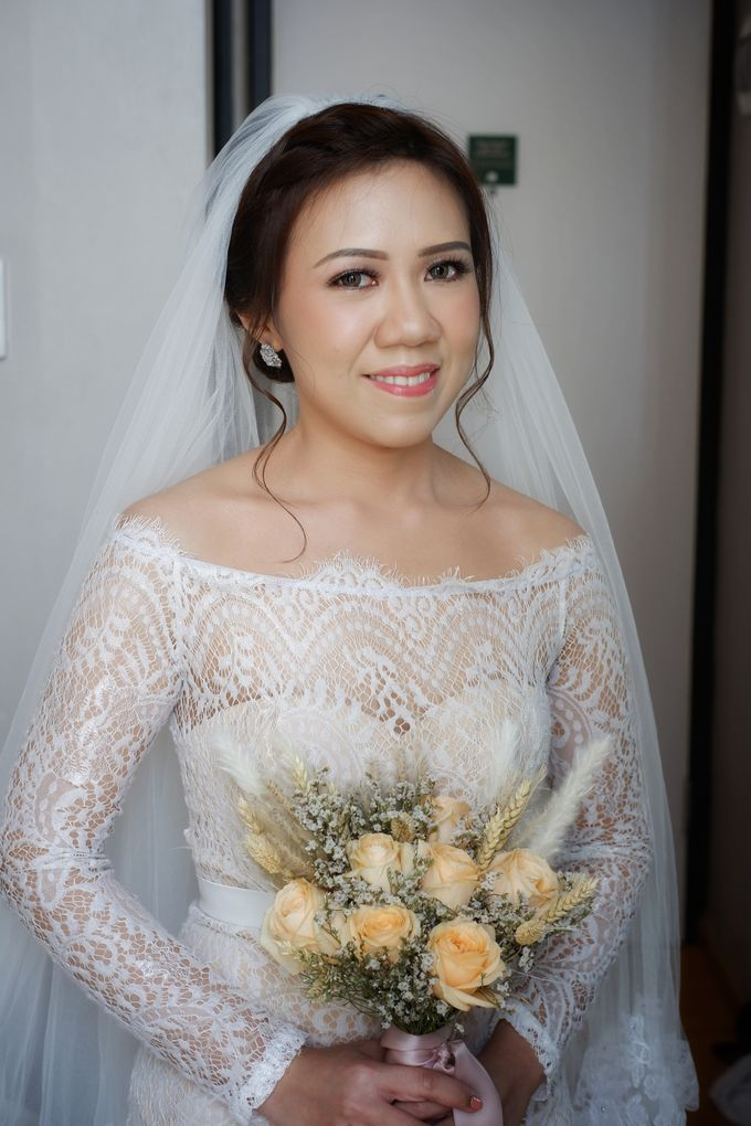 Wedding Day Mario & Debora by Nike Makeup & Hairdo - 002