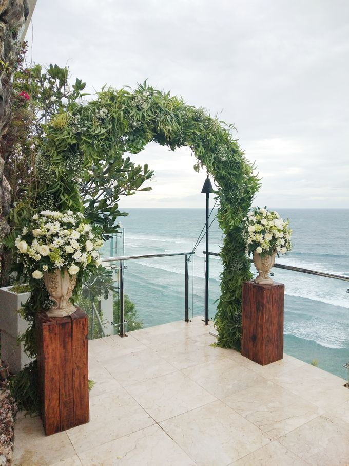 Wedding With V1 Organizer by Million Rose Event Bali - 003