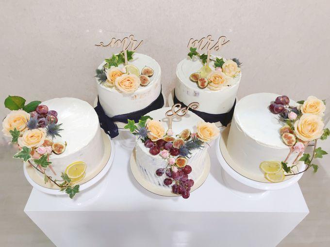 Novita & Dayne (Unstacked Wedding Cake) by Ame Cakery - 001