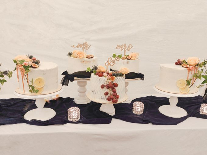 Novita & Dayne (Unstacked Wedding Cake) by Ame Cakery - 002
