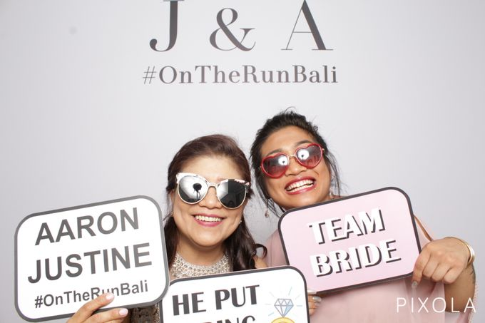Justine & Aaron by PIXOLA Photo Booth - 003