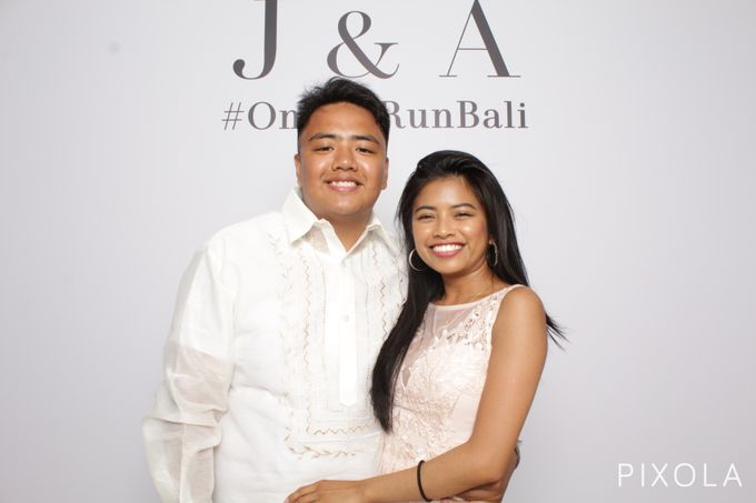 Justine & Aaron by PIXOLA Photo Booth - 004