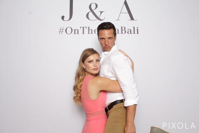 Justine & Aaron by PIXOLA Photo Booth - 005