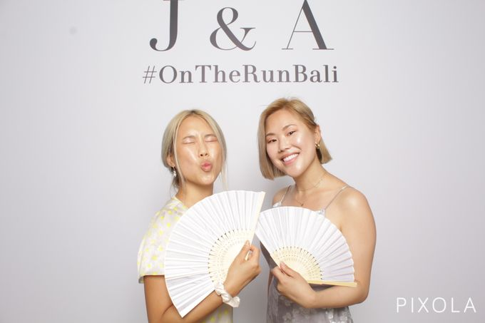 Justine & Aaron by PIXOLA Photo Booth - 008