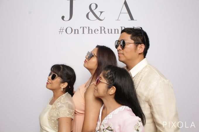 Justine & Aaron by PIXOLA Photo Booth - 013