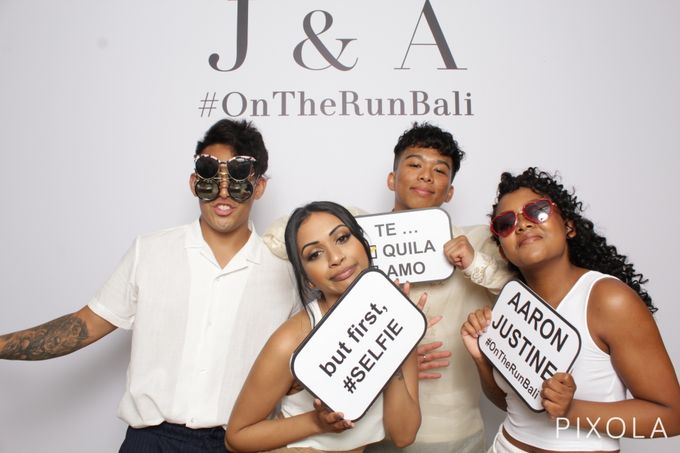 Justine & Aaron by PIXOLA Photo Booth - 014