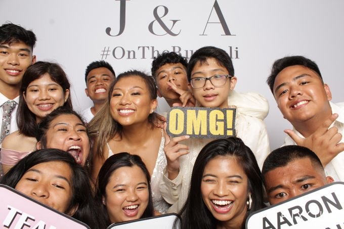 Justine & Aaron by PIXOLA Photo Booth - 019