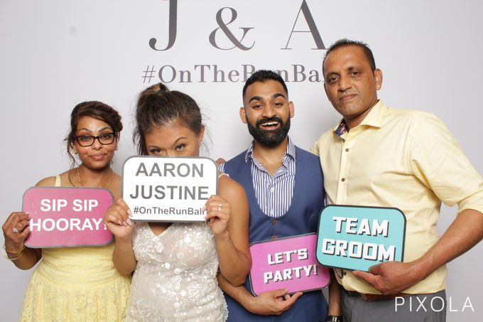 Justine & Aaron by PIXOLA Photo Booth - 024