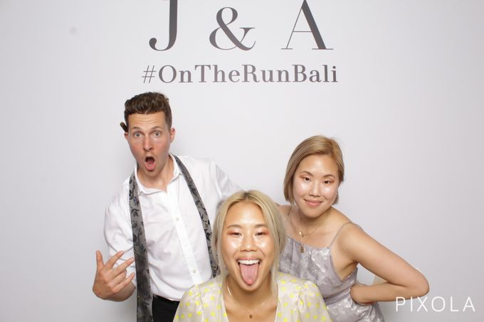 Justine & Aaron by PIXOLA Photo Booth - 027