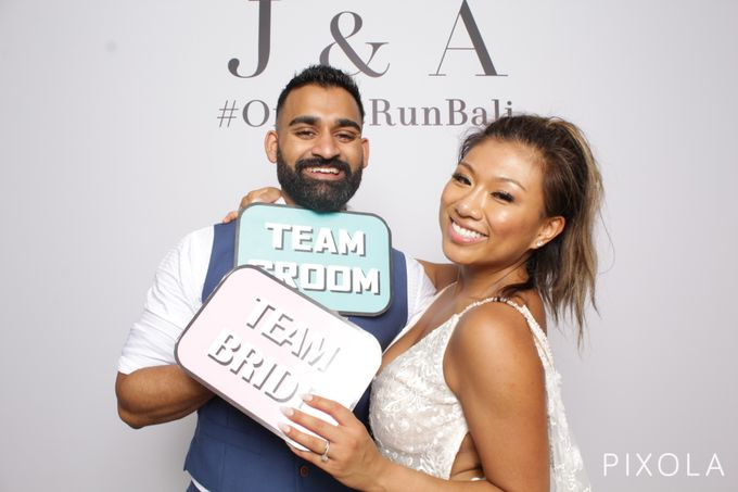 Justine & Aaron by PIXOLA Photo Booth - 028