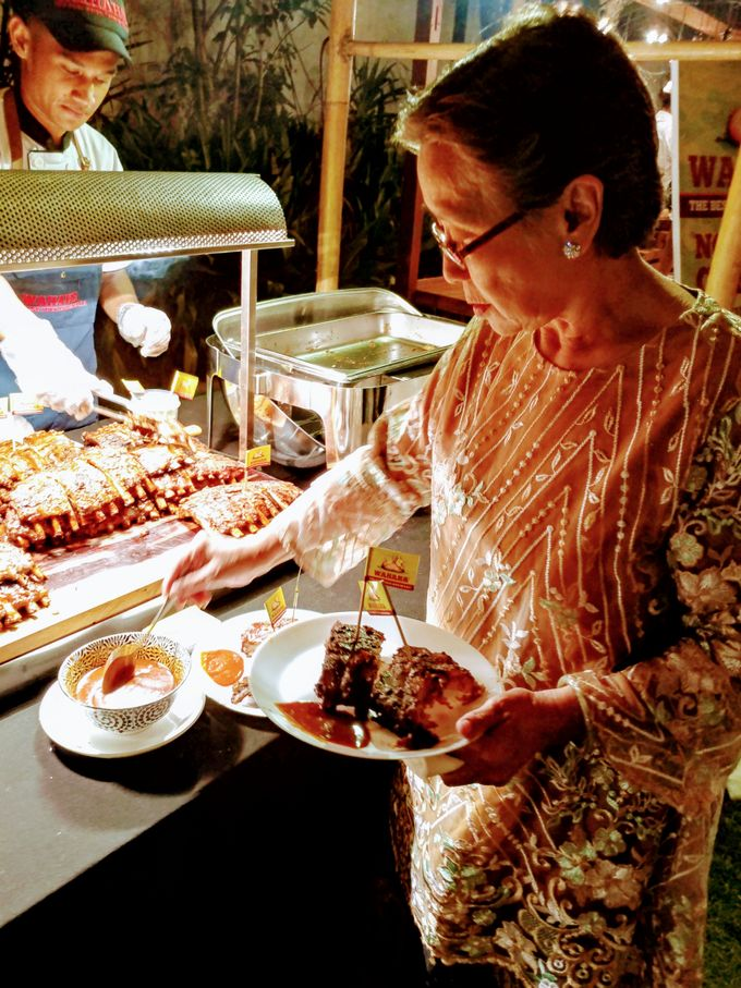 Live Grill at Villa Phalosa, Pantai Batu Belig by Lumbung Catering - 001