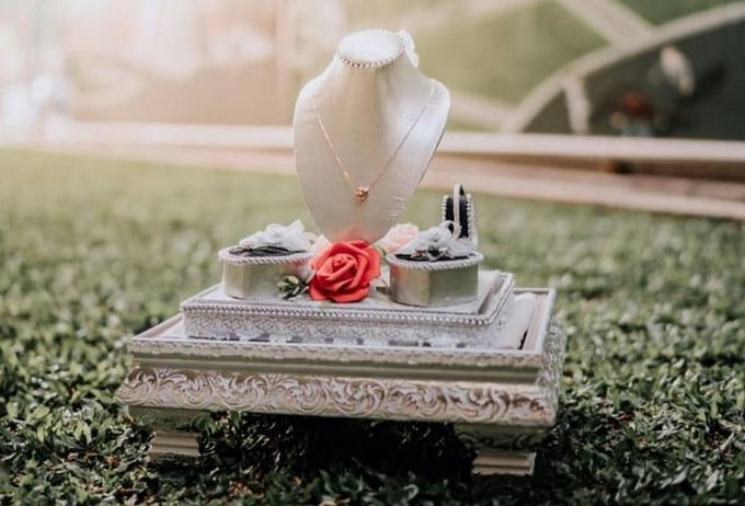 Glam Tray (Silver) by Freesia Seserahan - 003