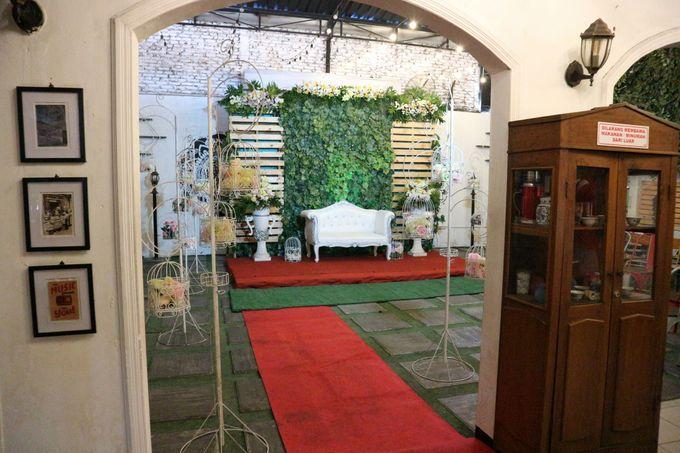 Adhitya & Christina Wedding by Djoyoboyo Cafe - 011