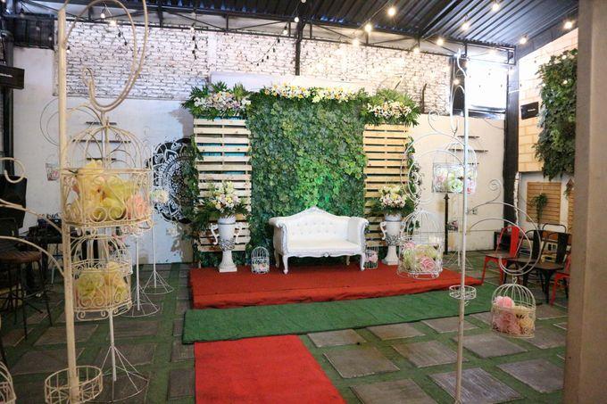 Adhitya & Christina Wedding by Djoyoboyo Cafe - 016