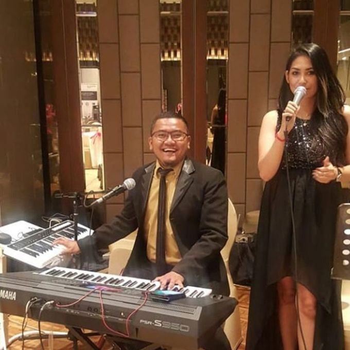 Solo Keyboard & Piano by Virtuoso Entertainment - 002