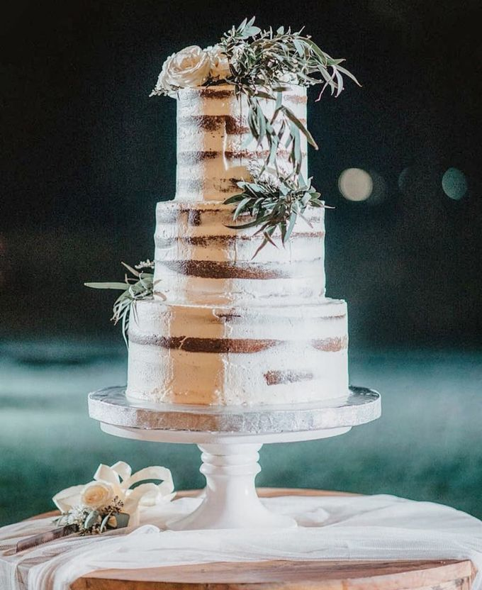 The Wedding Cake Of Agus & Citra by Moia Cake - 001