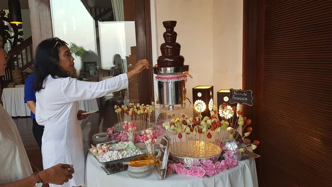 Chocolate Fountain For Wedding, Birthday,Gathering by The Chocolate Land - 001