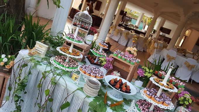 Wedding Cake and Sweet Corner For Balinese Wedding by The Chocolate Land - 013