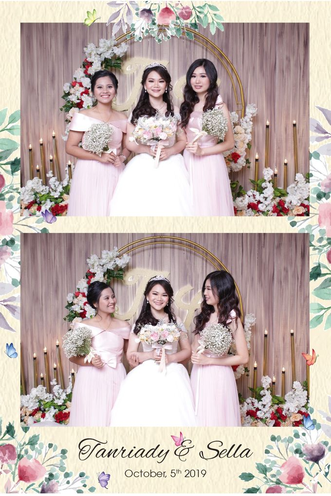 WEDDING TANRIADY & SELLY  - Photo Collage by Snapshot Photobooth - 002